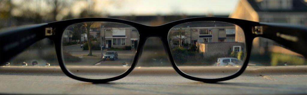 Enkeltstyrkebriller - samme styrke i hele glasset